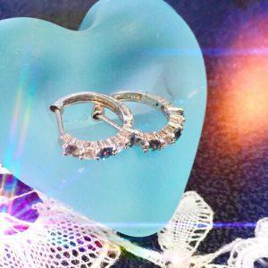 アレキサンドライトとダイヤモンドのピアス