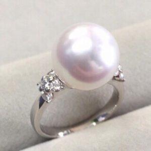 美しい大粒南洋真珠
