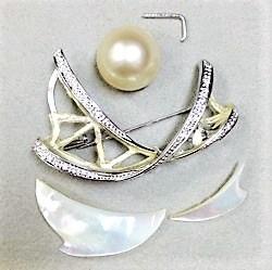WG南洋真珠ブローチ