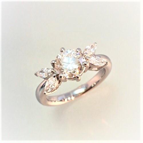 プラチナエンゲージリング 1ctダイヤモンド