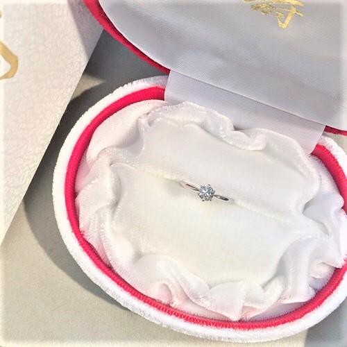 プラチナエンゲージリング ハートアンドアローダイヤモンド